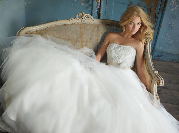 Why Are Wedding Dresses White 38