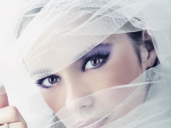 wedding veil and dress